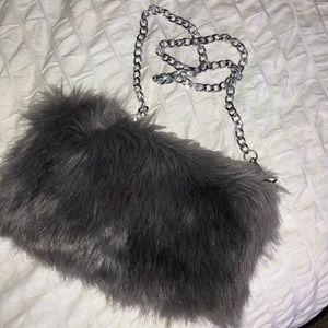 Boohoo Bags - Mia Faux Fur Crossbody Bag cade2469909fa